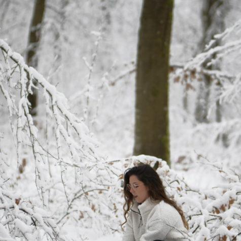 margot-villa-femme-neige-portrait