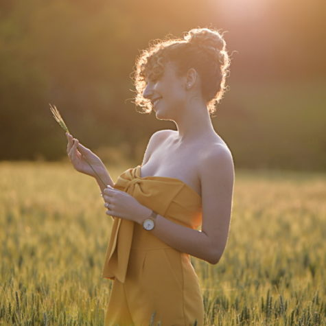 margot-villa-femme-soleil-nature-sourire